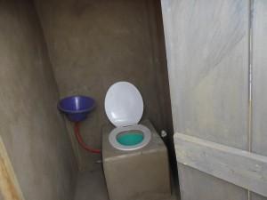 Microflush toilet
