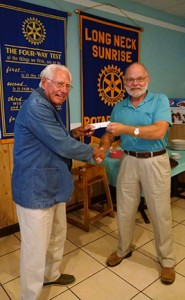 Harry Hiltner presents Paul Harris plus 10 to Fred Gibbs (1)